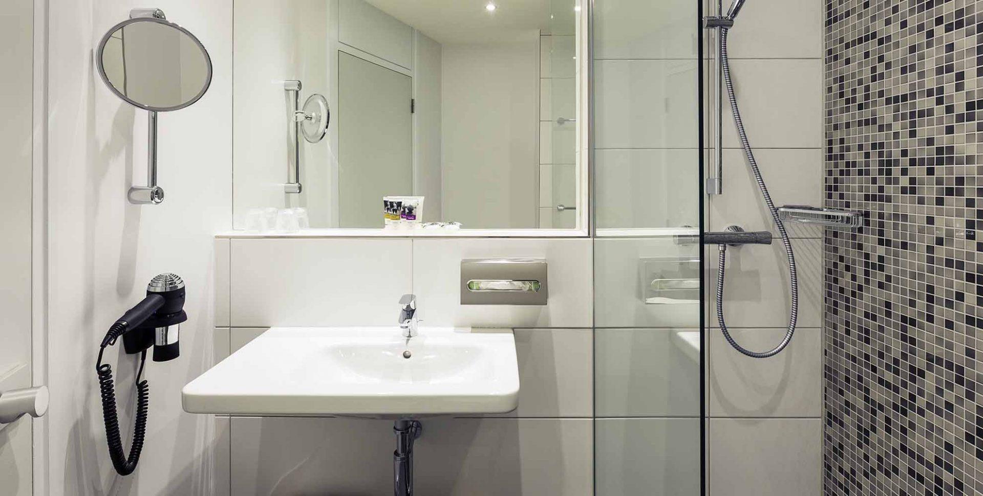 Design Badkamer Merken : Badkamer trends unique besten badkamer tegels bilder auf