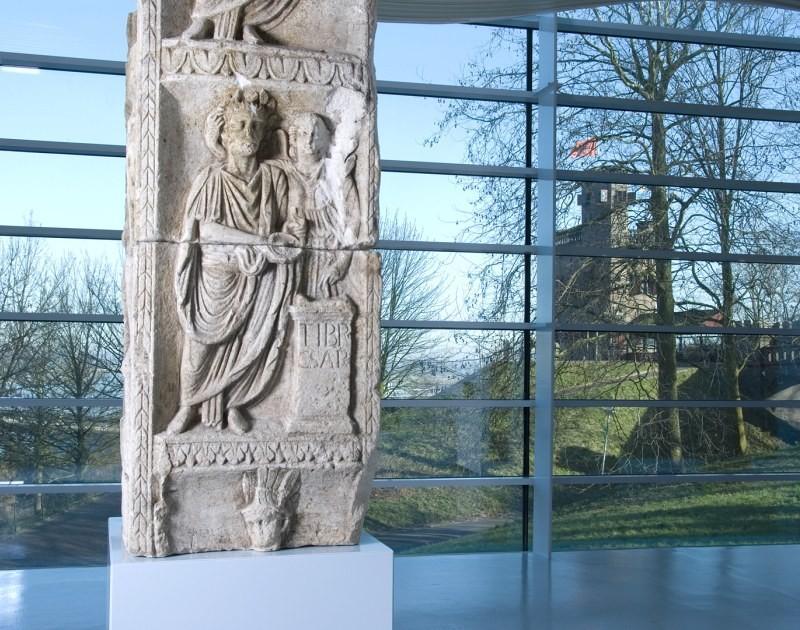 Godenpijler in Museum Het Valkhof